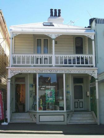 Wellington art gallery kiwi art house gallery wellington for House photos gallery